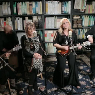 Oct 4, 2016 Paste Studios New York, New York by The Isaacs & Terry Bradshaw