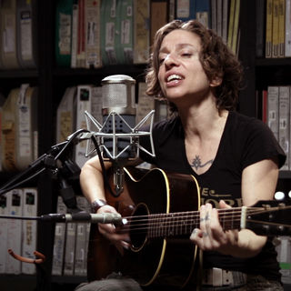 Jun 9, 2017 Paste Studios New York, New York by Ani DiFranco