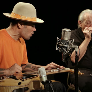 Mar 6, 2018 Paste Studios New York, New York by Ben Harper and Charlie Musselwhite