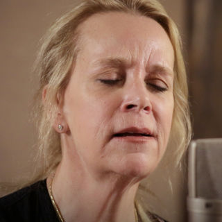 Apr 3, 2018 Paste Studios New York, New York by Mary Chapin Carpenter