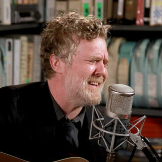 Mar 26, 2019 Paste Studios New York, New York by Glen Hansard
