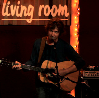 Aug 29, 2011 Living Room NYC New York, NY by Doug Paisley