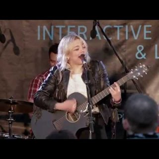 Oct 22, 2014 Living Room Brooklyn, NY by Elle King